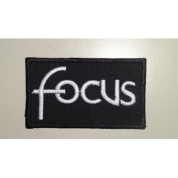 FOCUS  -Medidas 9,25 x 5,5cm.