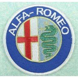 ALFA ROMEO Medidas 8 x 8cm